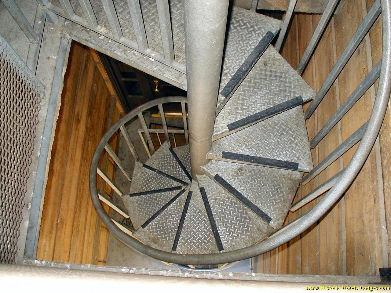 Винтовые лестницы своими руками из металла фото чертежи